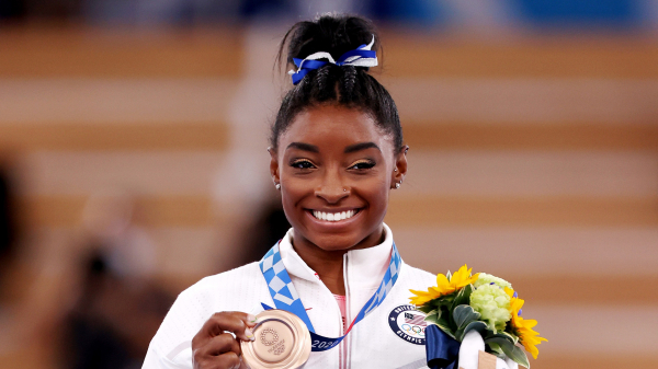 Simone Biles Returns From the Tokyo Olympics With Curly Box Braids